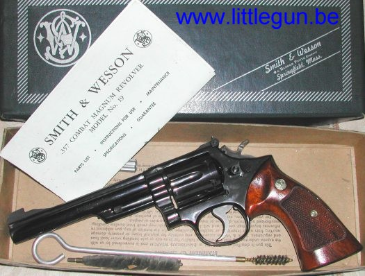 Percussion central Smith_and_wesson_mod_19_3_cal_357-01